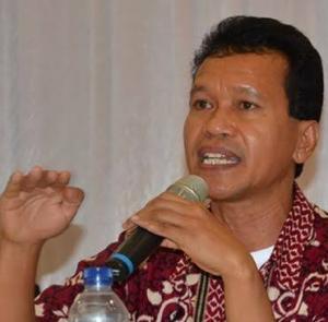 Walikota Kupang Ancam Cabut Izin Usaha, Norbert Jegalus: Itu Pencitraan!