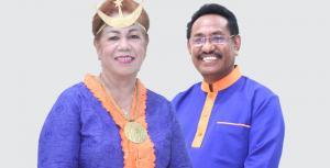 Paulina Haning Bullu, Istri Mantan Bupati Rote Ndao yang Kini Naik Takhta