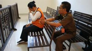 Istri Polisi Ngaku Mahasiswi Kedokteran, Tipu Suami Baru Rp1,4 Miliar