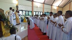 Uskup Atambua Tahbis 18 Diakon Baru