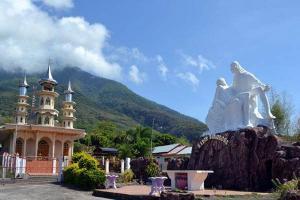 Larantuka Diusulkan Jadi Kota Suci Umat Katolik Indonesia
