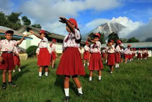 Cerita Rakyat Lindungi Bahasa di NTT yang Terancam Punah