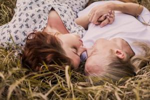 Medsos Bisa Membunuh Gairah Seksmu, Ini Alasanya