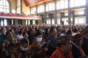 Foto: Tahbisan Uskup Ruteng dalam Bayang-bayang Virus Corona