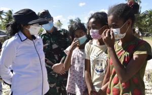 Kunker ke NTT, Menteri PPPA Berikan Dukungan untuk Anak Korban Bencana