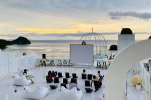 Loccal Collection Komodo, Hotel Bernuansa Santorini di Labuan Bajo