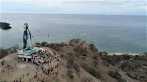 Pesona Wisata Patung Bunda Maria di Teluk Gurita Belu
