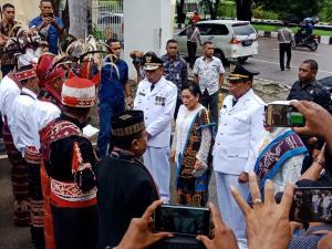 Marahi Mensos Risma, PDIP Cabut Dukungan terhadap Bupati Alor Amon Djobo