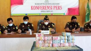 Kejari Mabar Sita Uang Rp1,2 Miliar dari Kasus Korupsi Pengalihan Aset Pemda