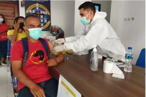 DPRD Apresiasi TNI Polri Gencar Lakukan Vaksinasi di NTT
