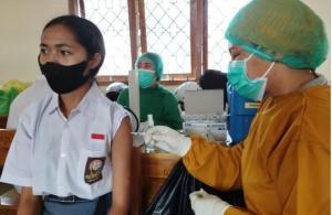 Polres Mangarai Barat Gelar Vaksinasi Presisi bagi Pelajar